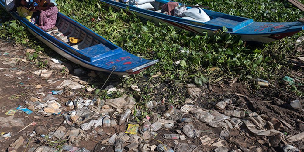 Prélèvement d'échantillons atmosphériques et fluviaux au Vietnam