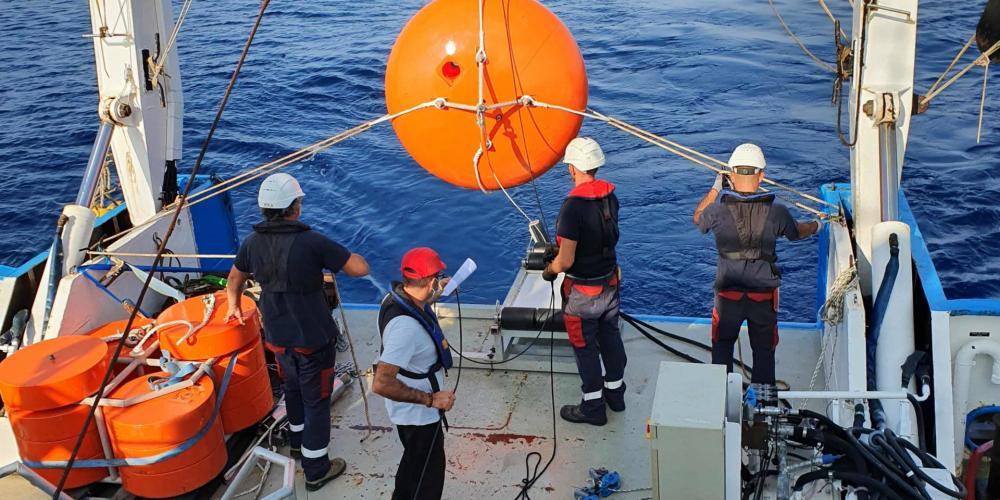 Maintenance réussie de la ligne d'amarrage ALBATROSS, par EMSO en Mer Ligure