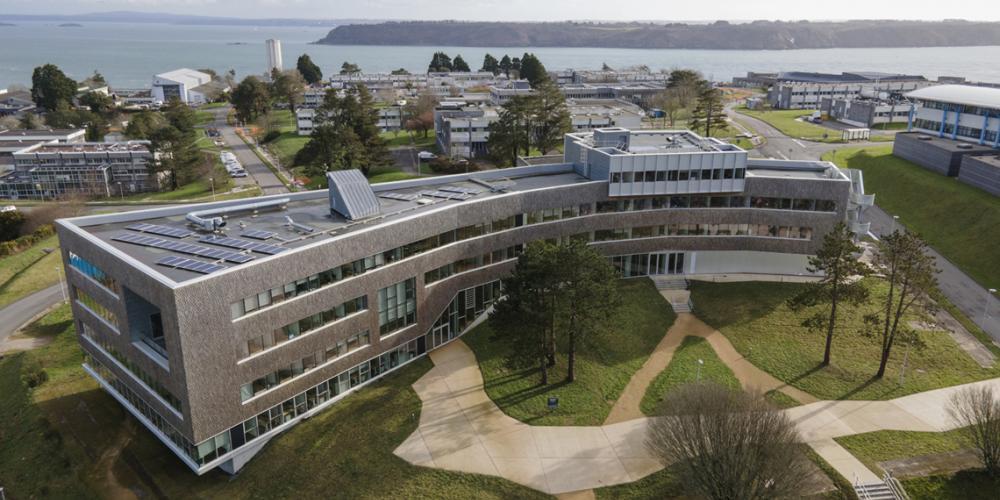 Le Premier ministre a inauguré le bâtiment du siège social de l'Ifremer à Brest, ce 6 février 2021